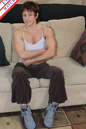Muscle MILF Porn Pictures