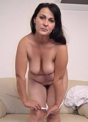 MILF Undressing Porn Pictures